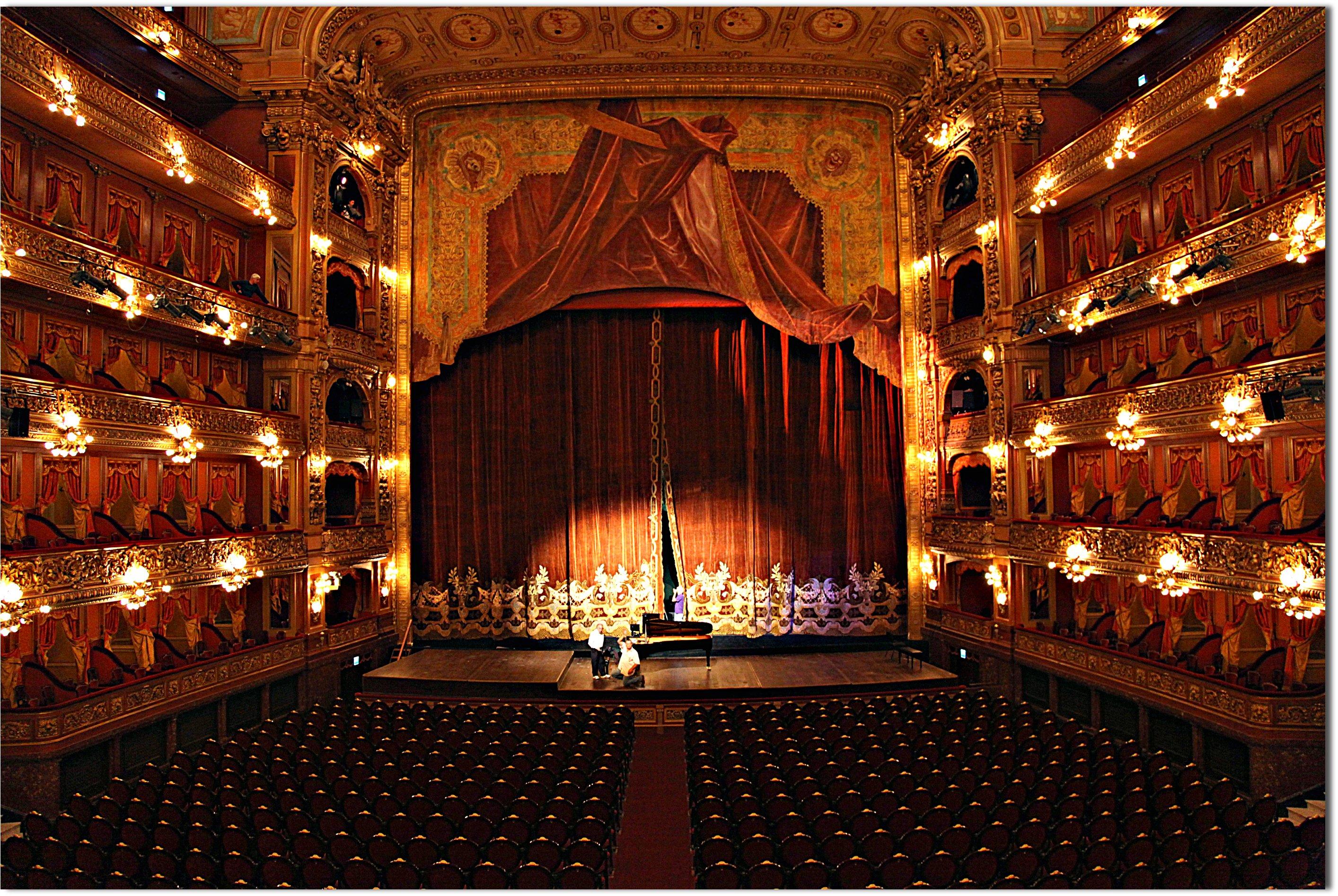 opera house bel canto